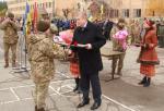 Сергей Чернов вручил награды областного совета бойцам 92-й отдельной механизированной бригады
