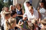 В Харькове детям льготных категорий подарили школьные ранцы