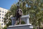 В Харькове установили еще один памятник Алексею Бекетову